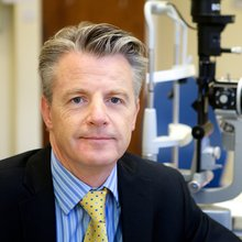 Mr Richard Caesar, Consultant Ophthalmologist